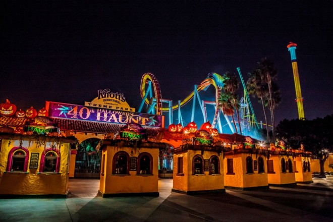 places to visit in california knotts scary farm