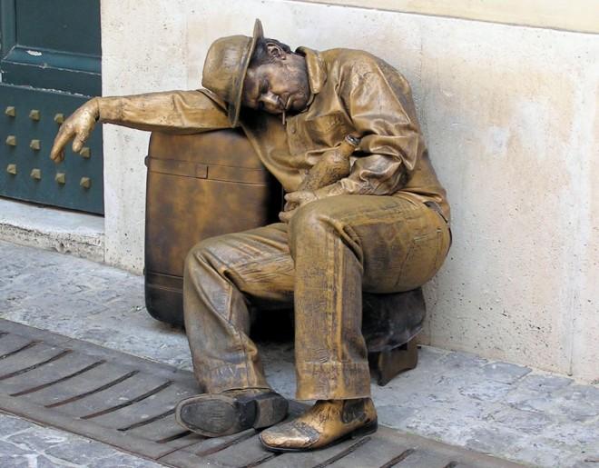 living statues rome