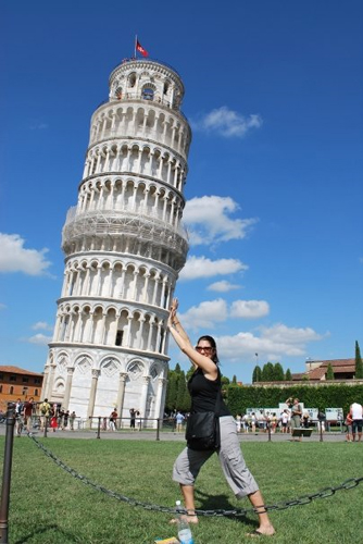 pisa-tower-funny-photography-alternative-perspective