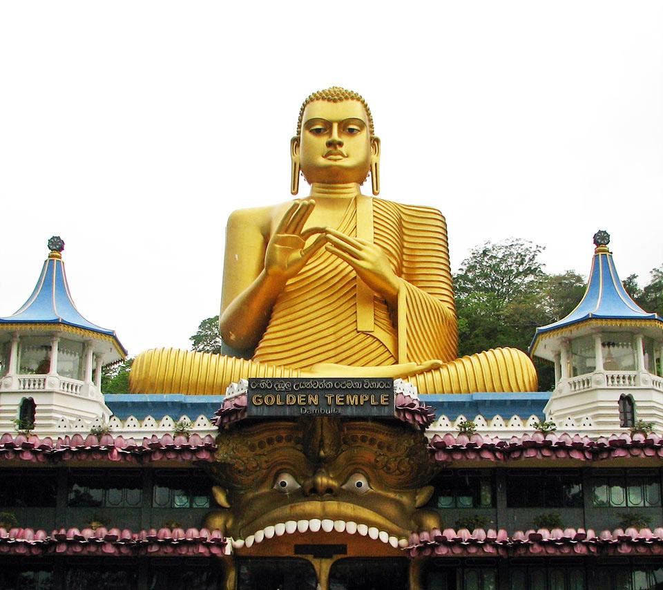 golden buddha statue golden temple