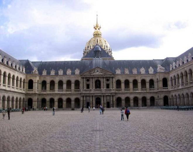 places to visit in paris les invalides