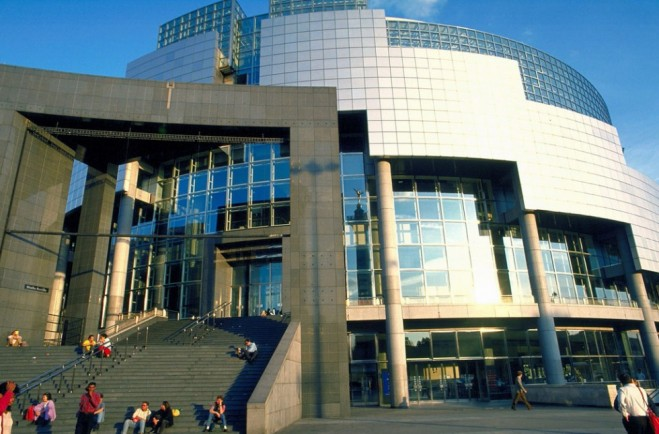 places to visit in paris opera bastille
