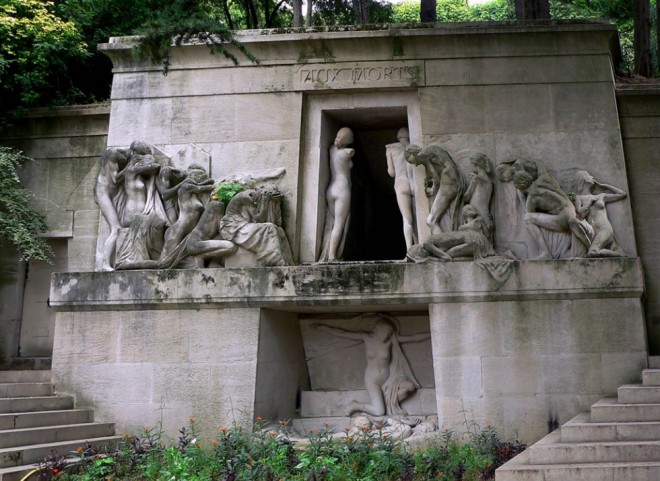 places to visit in paris pere lachaise