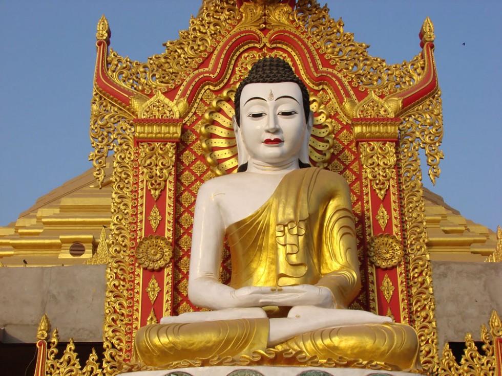 statue gautam buddha0