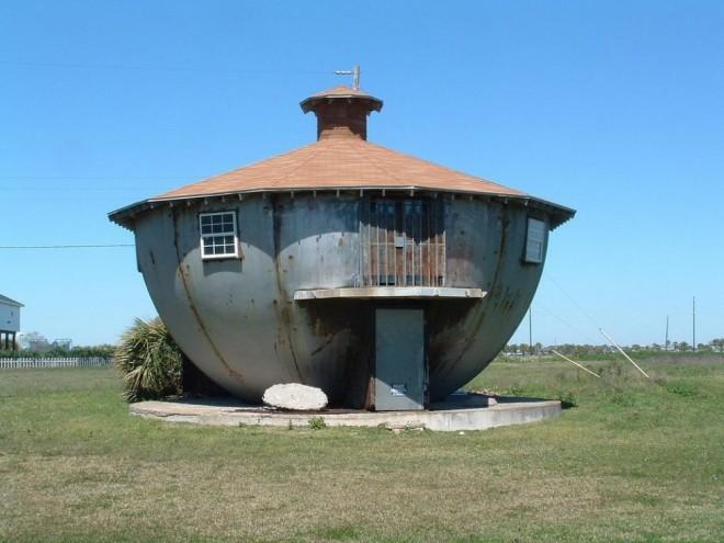 weird house kettle