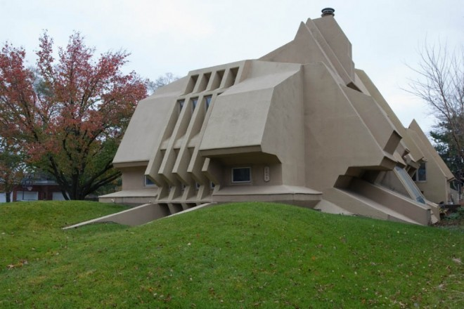 weird house odd shaped