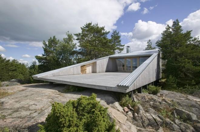 weird houses lakehouse