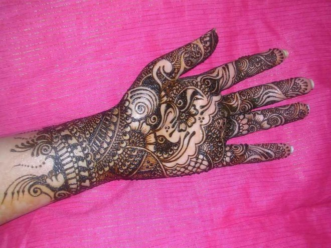 mehndi designs traditional