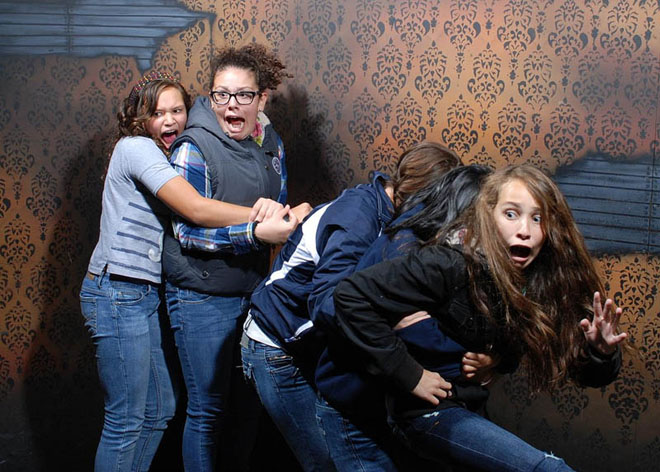 hilarious-terrified-scary-nightmare-fear-factory