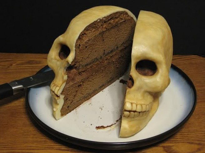creative cake skull art idea