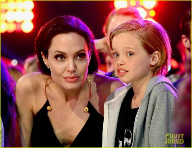 mother kid facial similar features