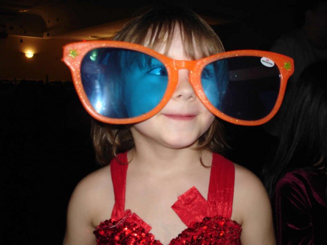 little girl giant glasses funny picture