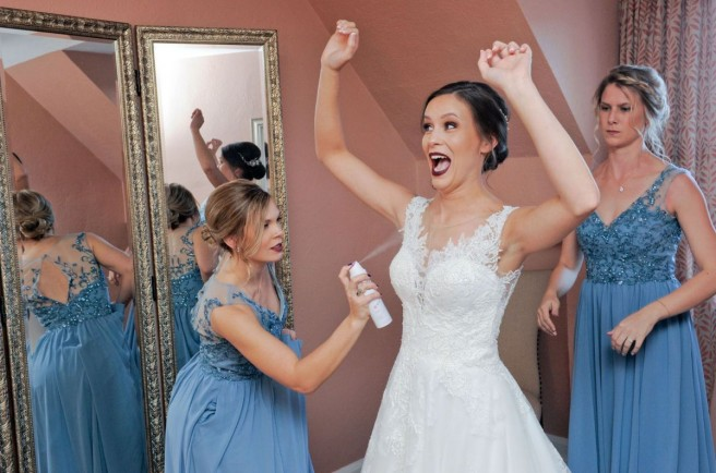 funny candid photography wedding day
