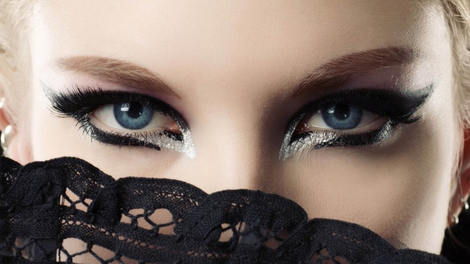 woman beautiful eyes by paul medina