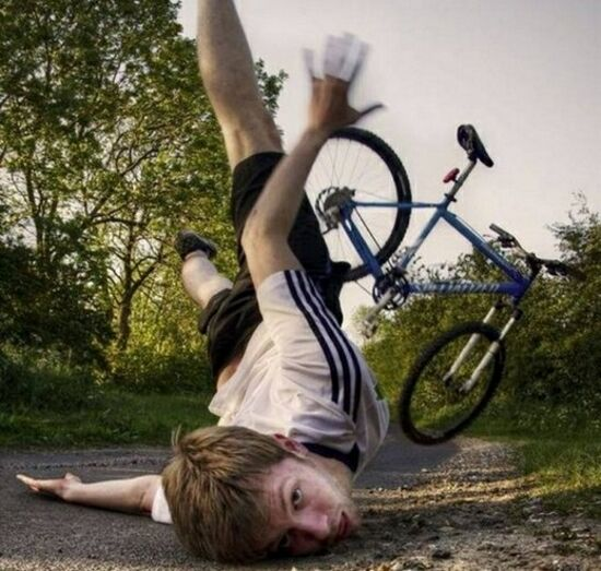 10 people falling off bikes