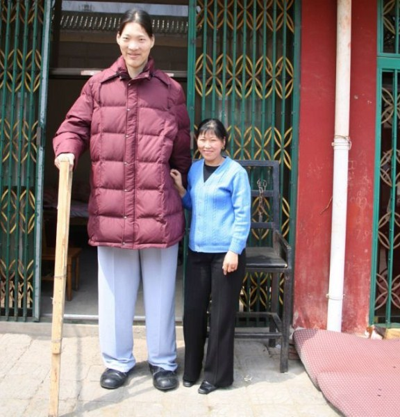 tallest woman funny guinness world records