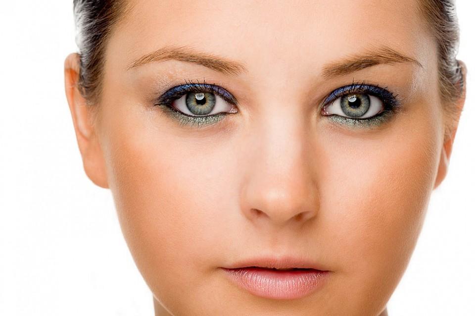 woman beautiful eyes by nick redman