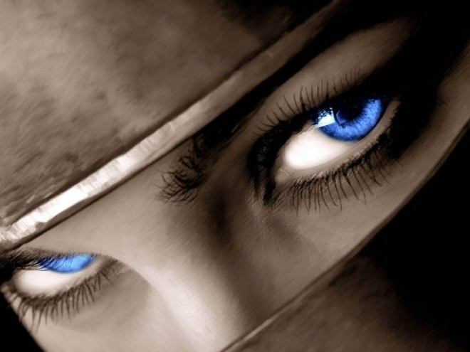woman beautiful eyes by fiore auditore -  11