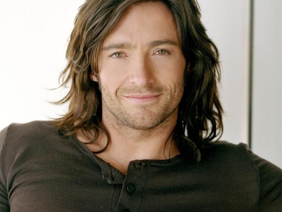 wavy men long hairstyle