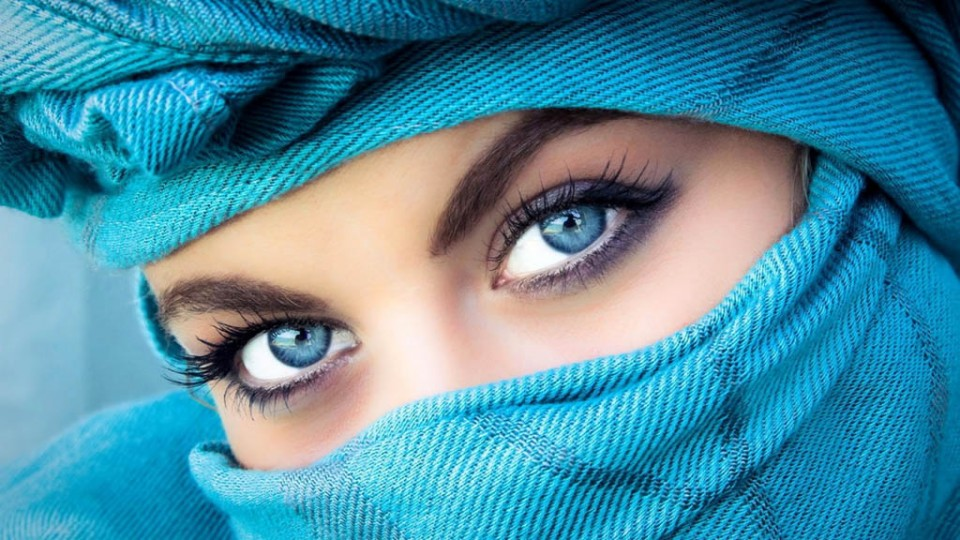 woman beautiful eyes by save goorg