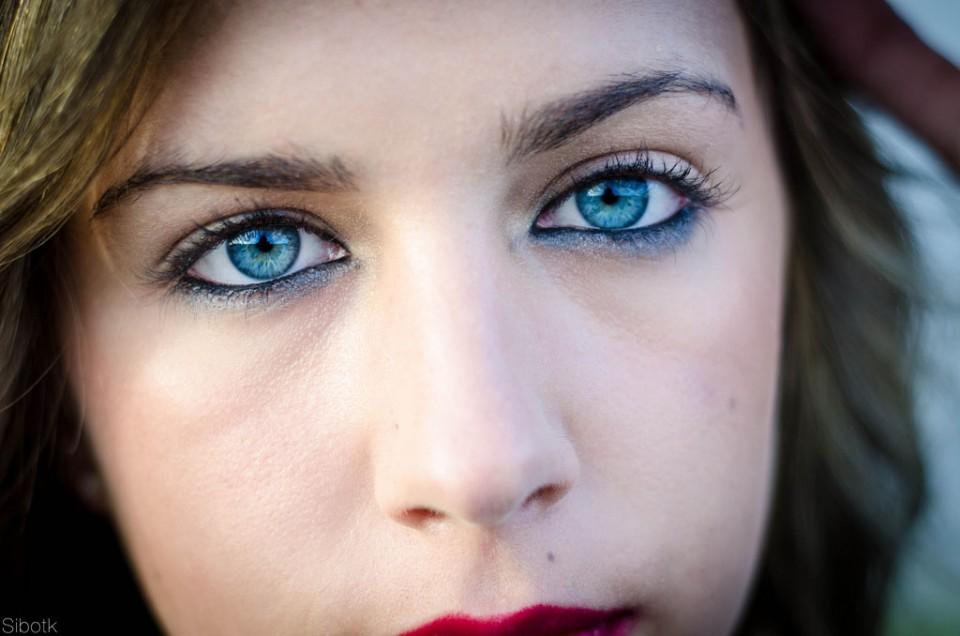 woman beautiful eyes by siboney tabares king