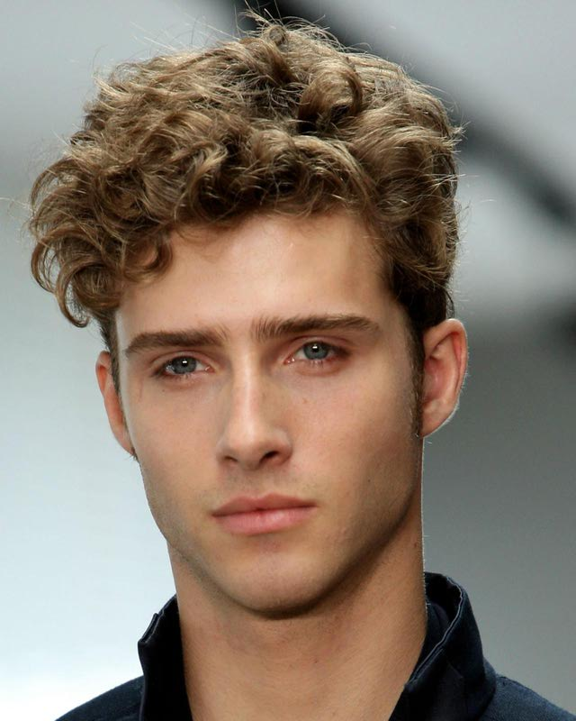 curly men short hairstyle