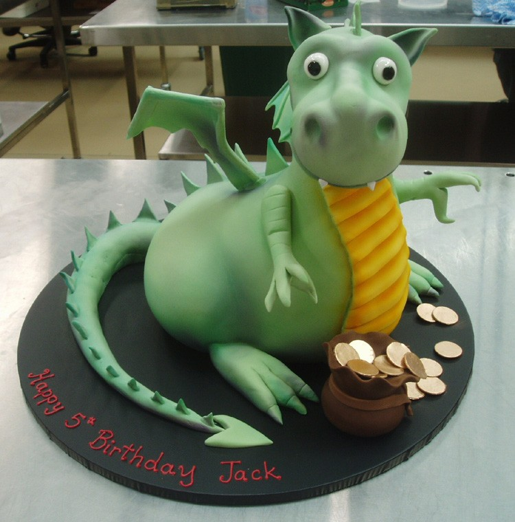 6 funny birthday cakes