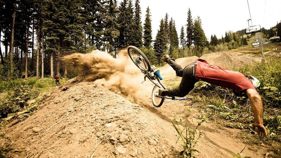 8 people falling off bikes