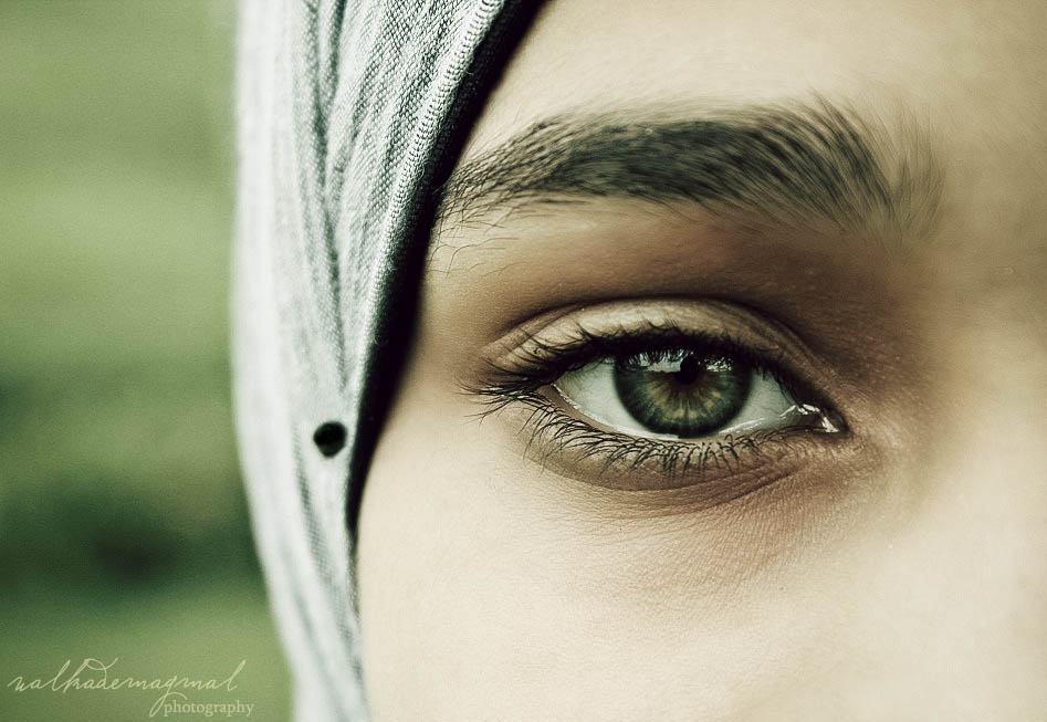 woman beautiful eyes walkademagmal photography