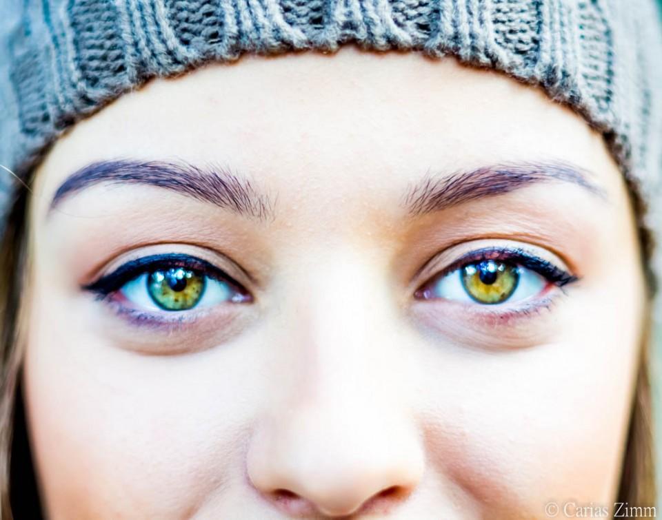 woman beautiful eyes by carias zimm