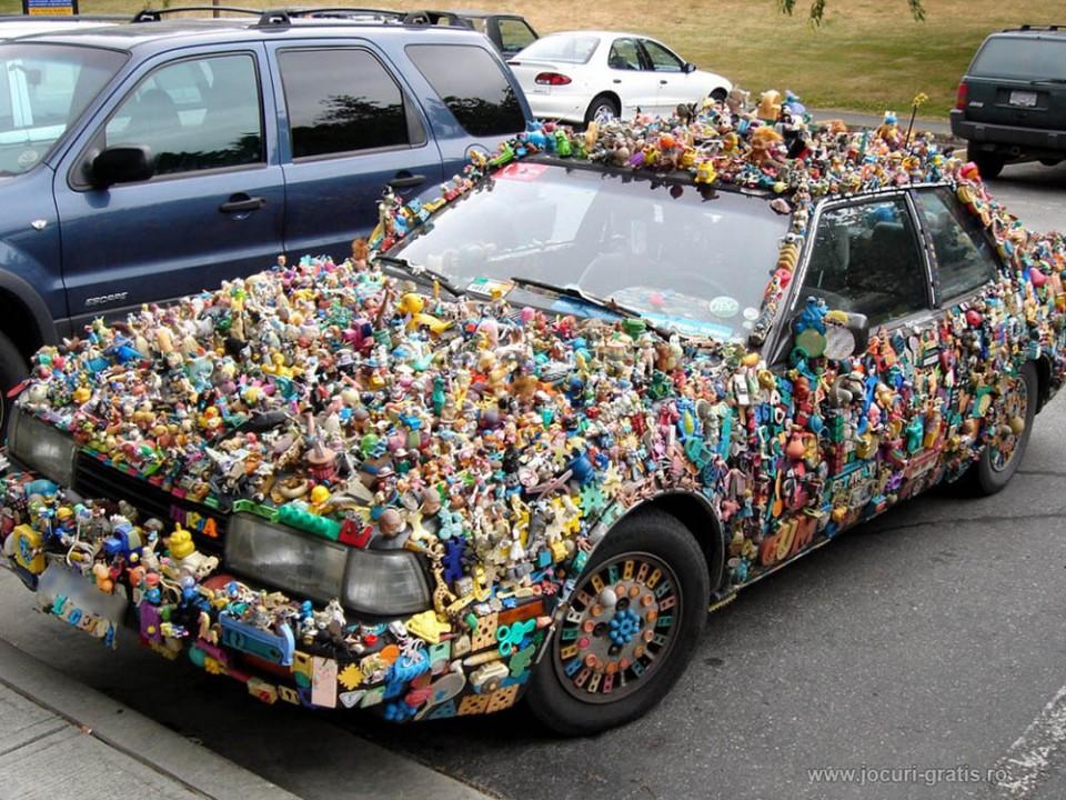 funny dolls car