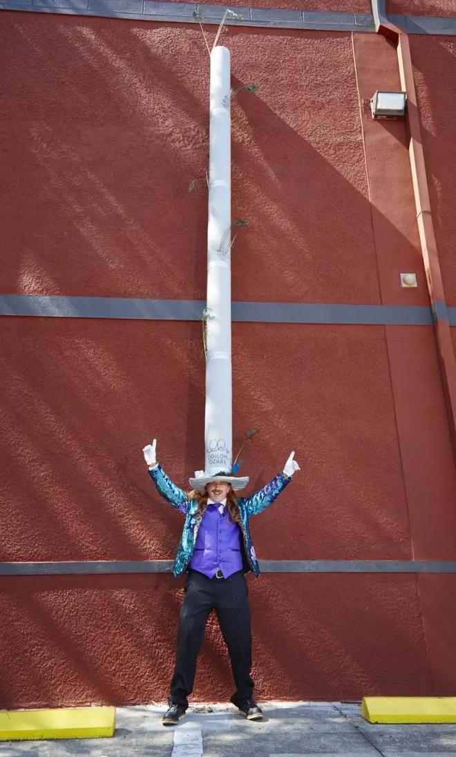 funny world record longest hat by odilon ozare