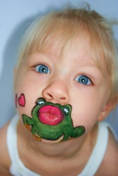 face painting this is hilarious kiss the froggy