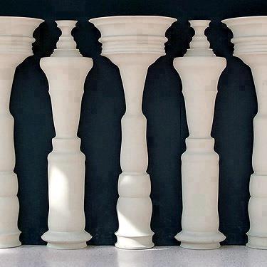optical illusion chess coins