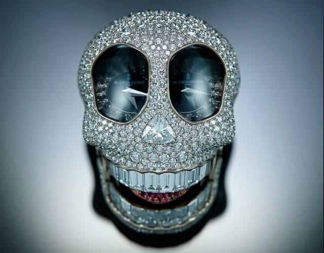 creative diamond skull art idea
