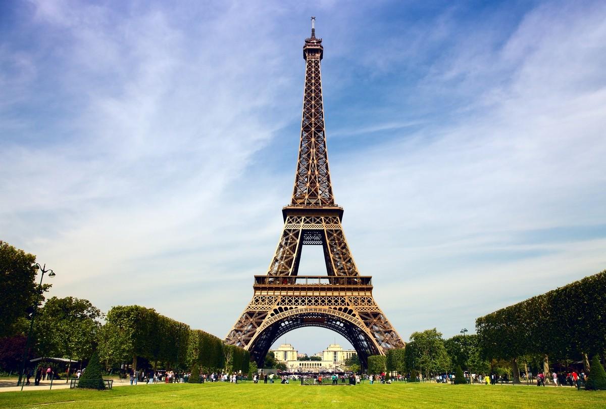 eiffel tower modern architectural wonders