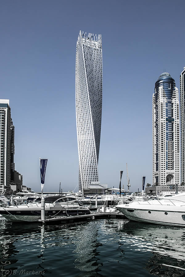 infinity tower dubai modern architectural wonders