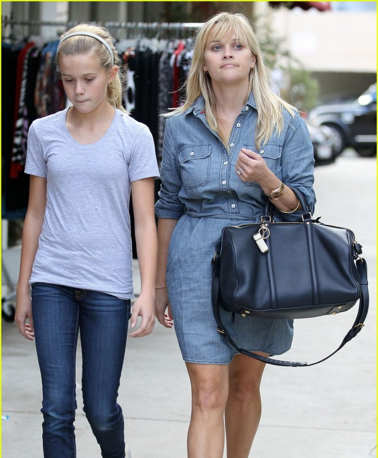 reese witherspoon kid facial similar features