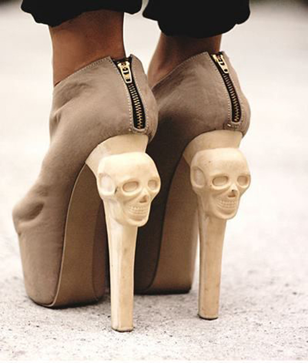 creative heel skull art idea