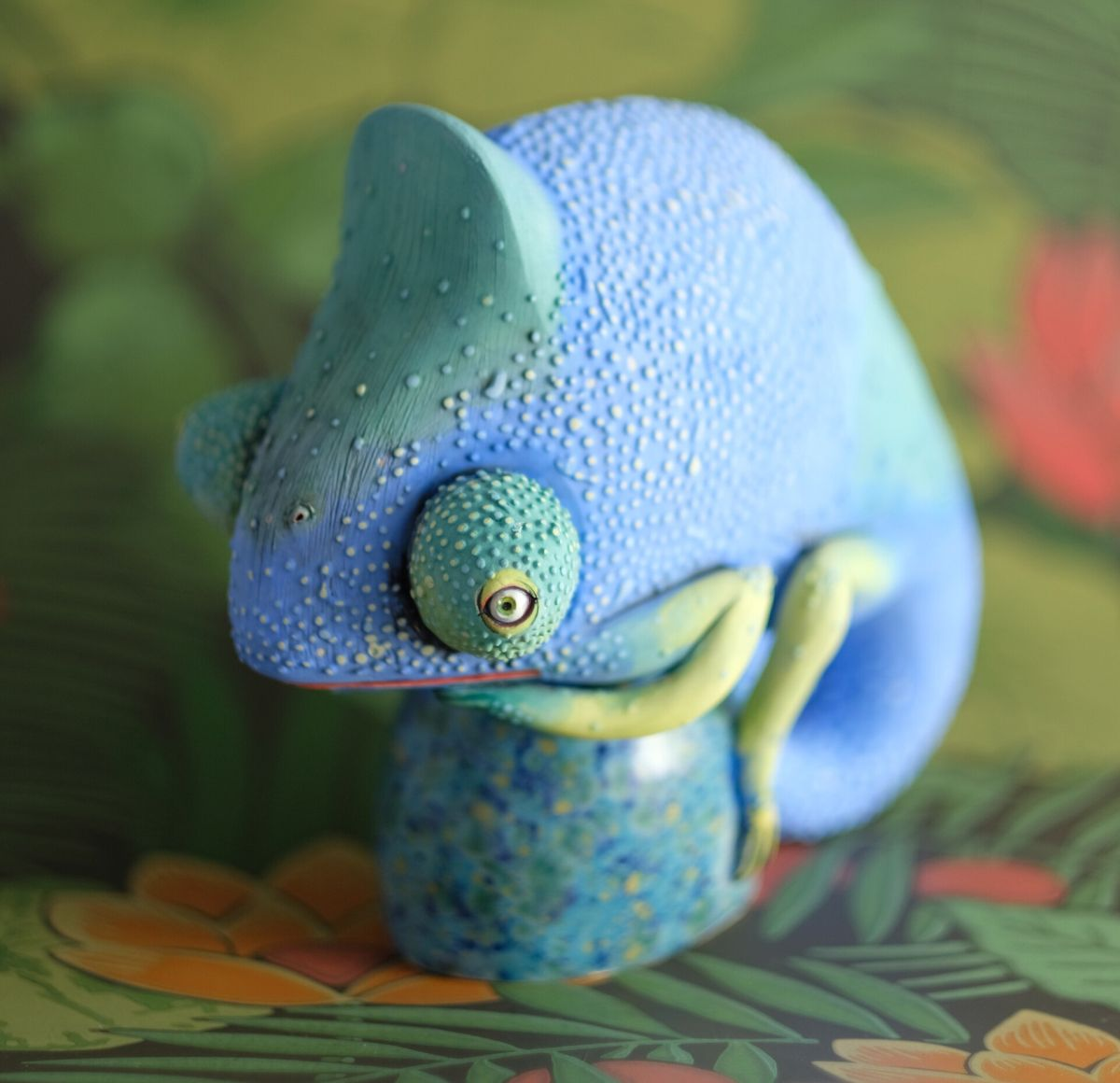 ceramic animal sculpture chameleon nastia calaca