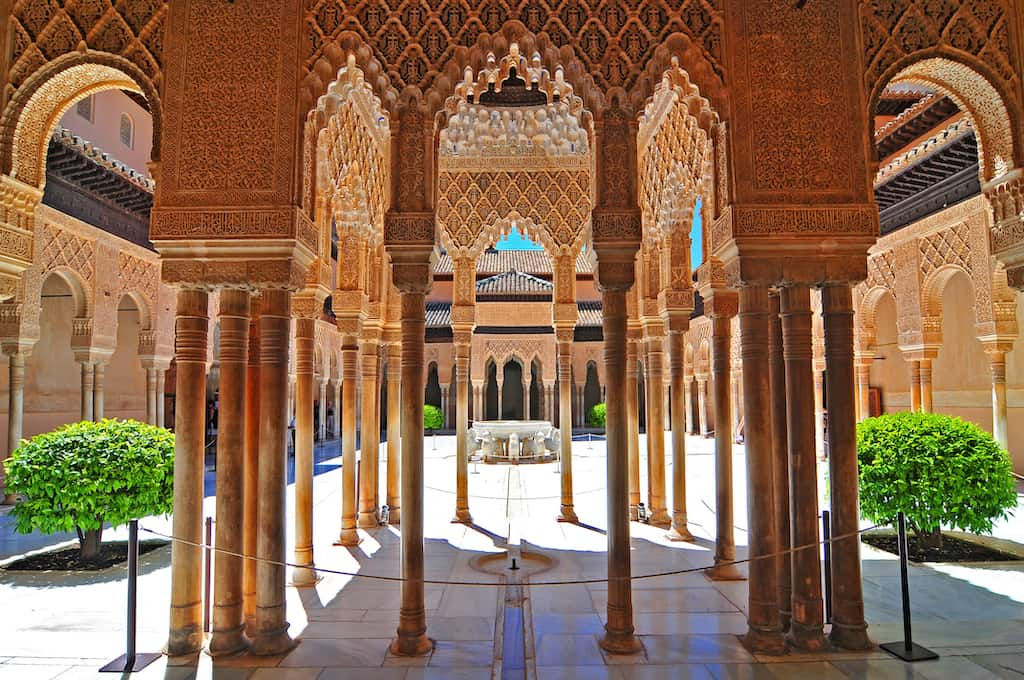 alhambra granada beautiful tourist place spain