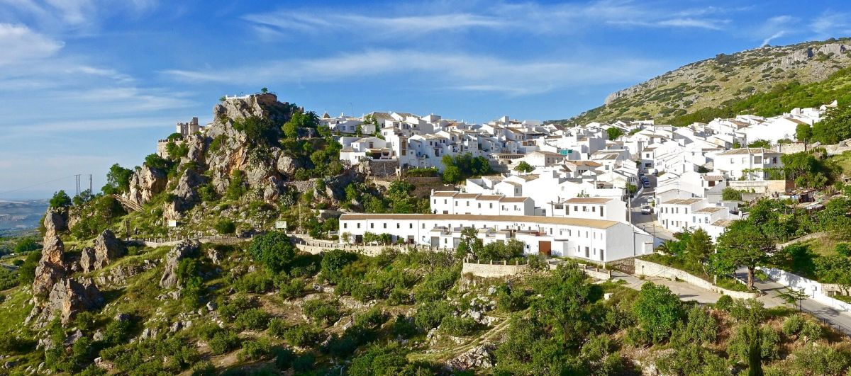 pueblos blancos andalucia beautiful tourist place spain