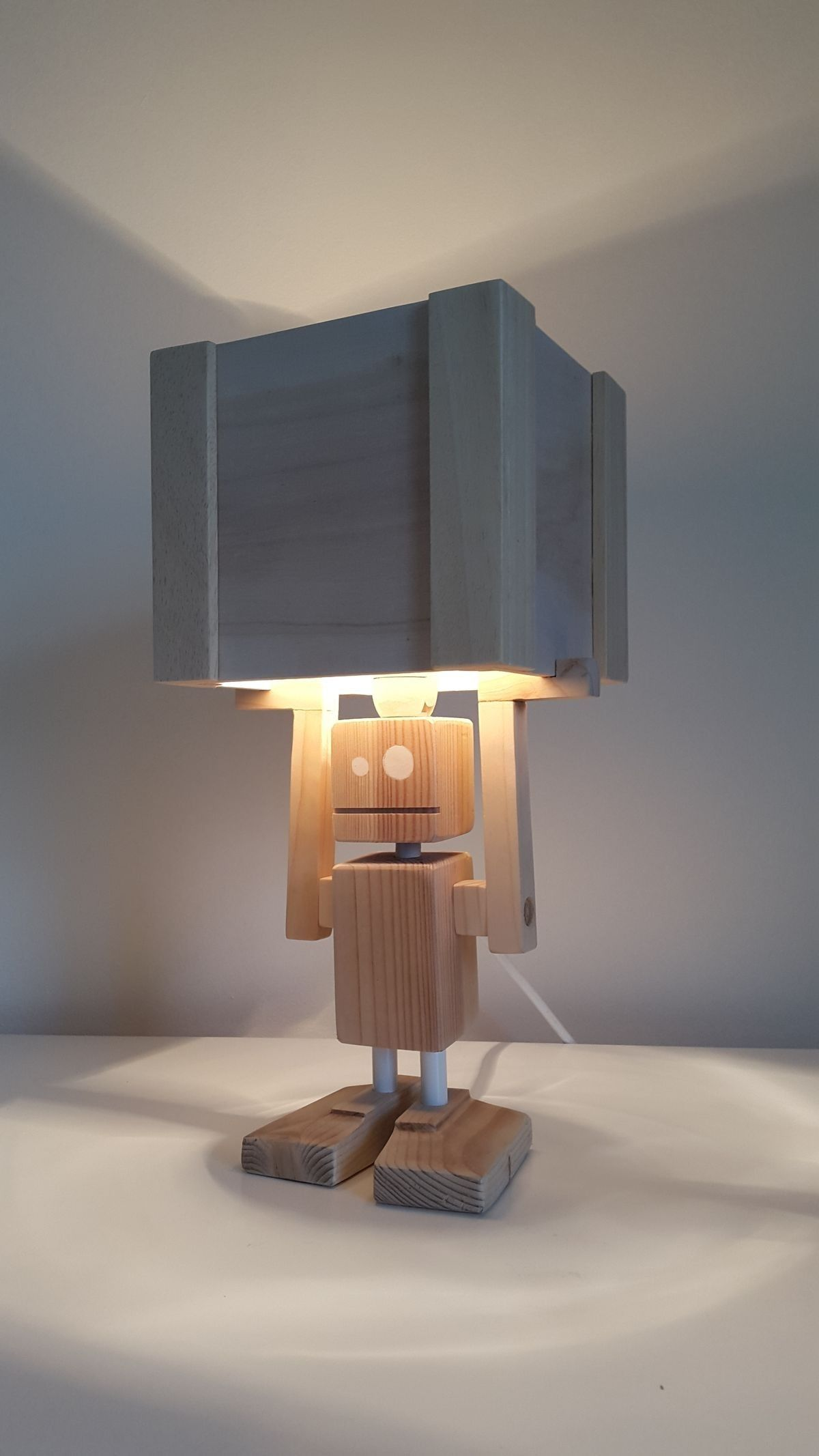 funny light robot table lamp