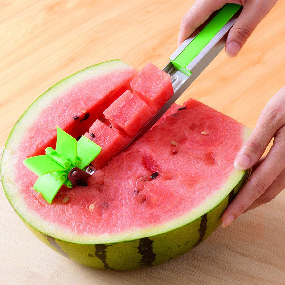 creative gadget watermelon cutter