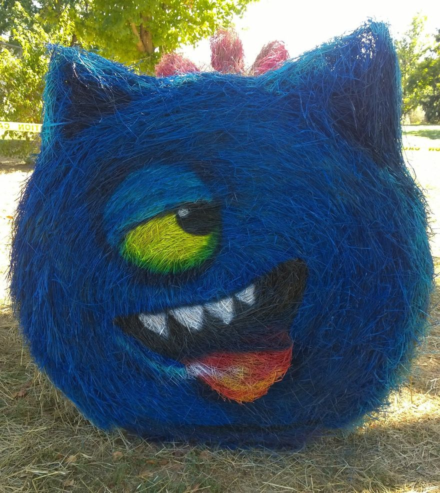 funny halloween hay bale art ugly dog jean marie smith