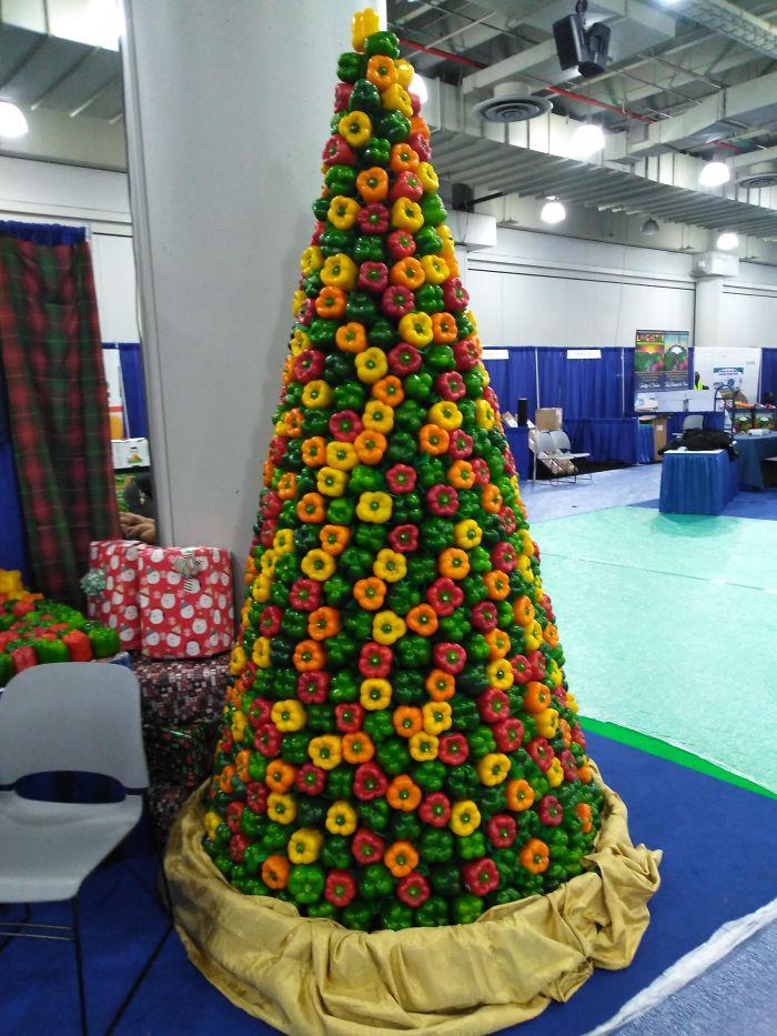 creative vegetable christmas tree decoration idea