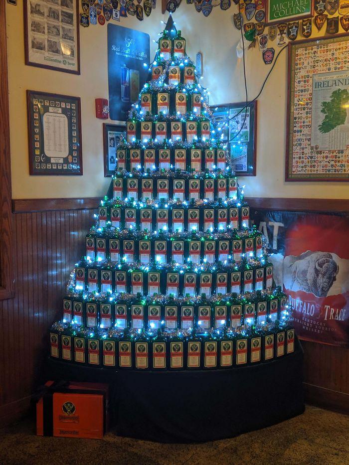 creative bottle christmas tree decoration idea