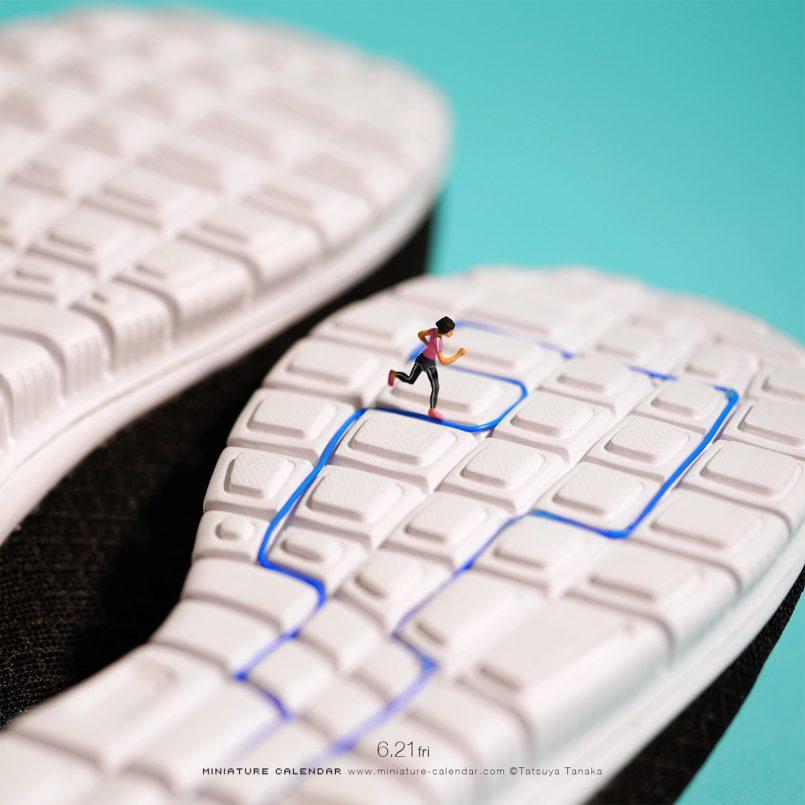 funny miniature photos running race tatsuya tanaka