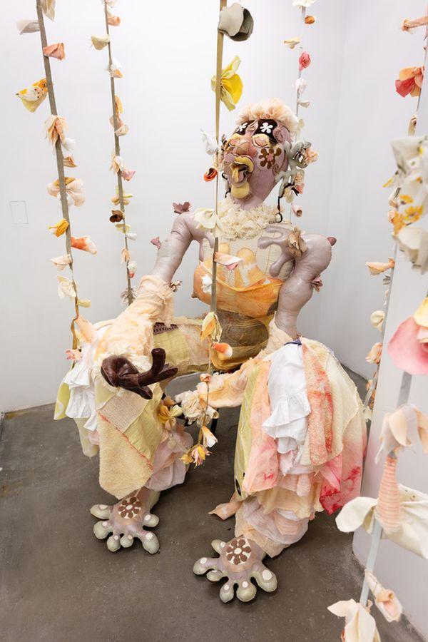 funny alien sculpture fabric tau lewis