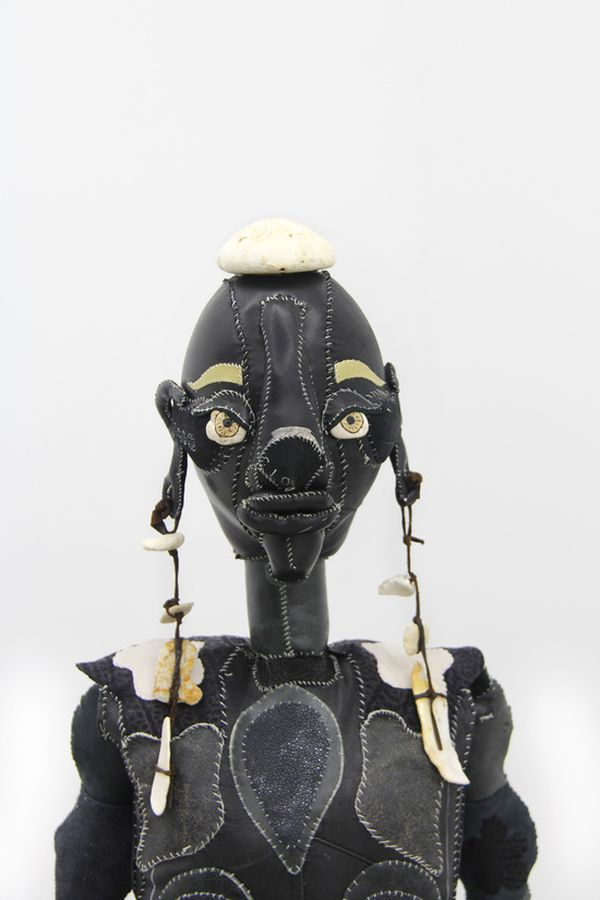 funny fabric sculpture tau lewis